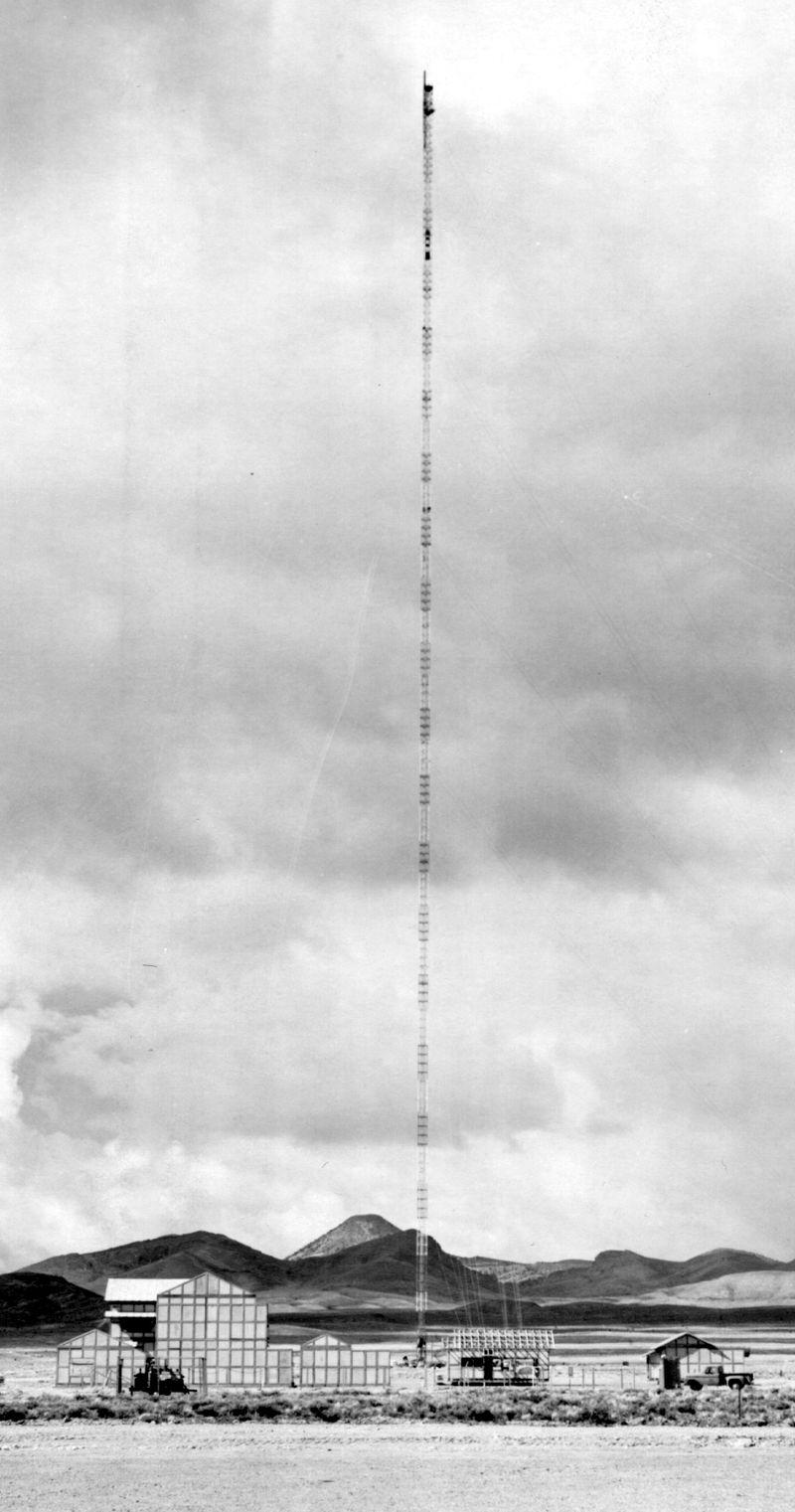800px-BREN_Tower_nevada.jpg