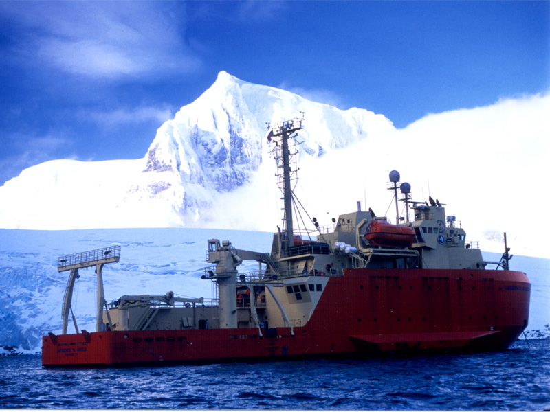 Research_vessel_Laurence_M._Gould.jpg